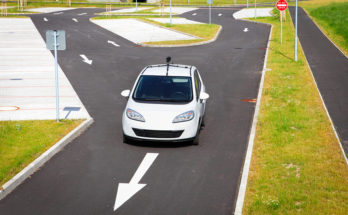 Self-Driving Car Sector Encounters Grave Test After First Death